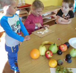 Ovocný a zeleninový salátek